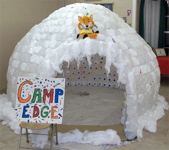 Big chill molino church builds igloo with 700 plastic for How to build an igloo out of milk jugs