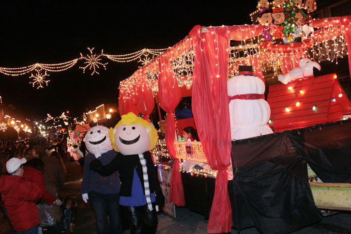 Christmas Homecoming Float.A Charlie Brown Christmas Angels Helping Others