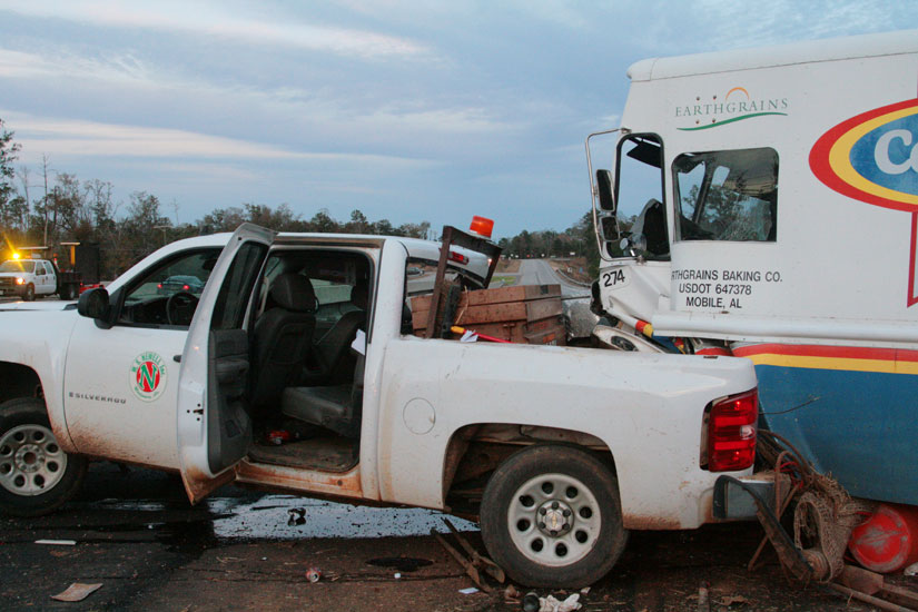 Four Injured In Flomaton Wreck