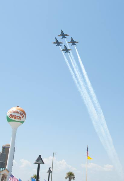 Update Srso Captures Armed Dangerous 19 Year Old: Today's Schedule, Photo Gallery: Blue Angels At Pensacola