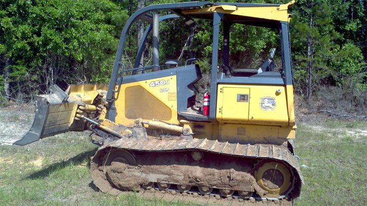 Man On Bulldozer : Molino man killed in alabama bulldozer accident