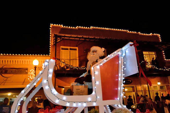 Brewton Alabama Christmas Parade 2020 Area Christmas Parades Begin (With Parade Schedules