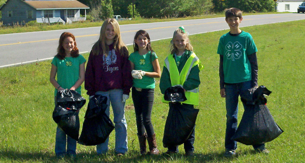Volunteers Clean Up Barrineau Park For Earth Day : NorthEscambia com