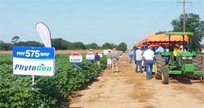 Farm Field Day Held