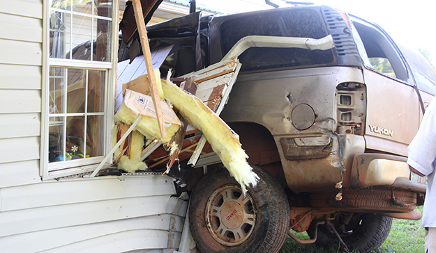 No Injuries As Driver Slams Into Suv And House Northescambia Com