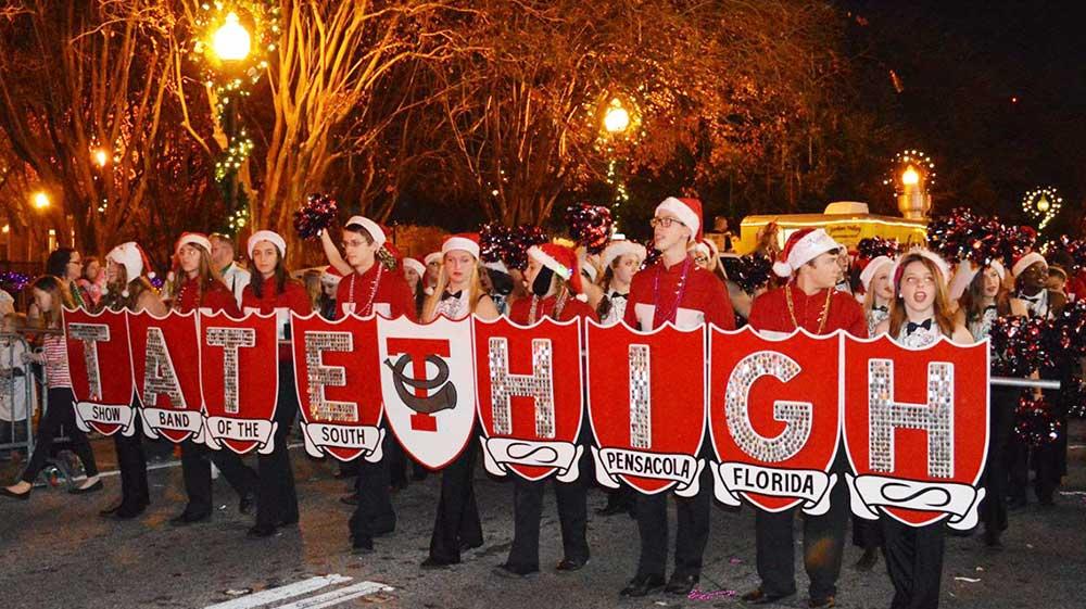 Pensacola Christmas Parade 2020 Tens Of Thousands Attend Annual Pensacola Christmas Parade (With
