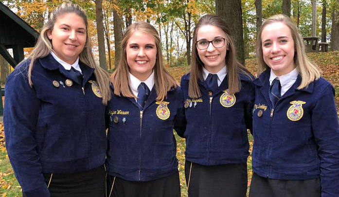 Kindness from young people at the FFA convention inspires an Indianapolis woman to pay it forward