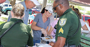 Molino's CrossFaith Church Serves Up Lunch For Escambia Sheriff's Office