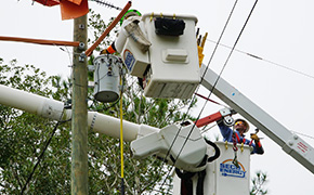 Saturday Morning: Gulf Power Had 90,000 Still Without Power; EREC Down To 3,000