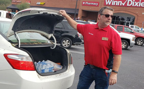 Photos: Winn Dixie Distributed Free Ice And Water On Friday