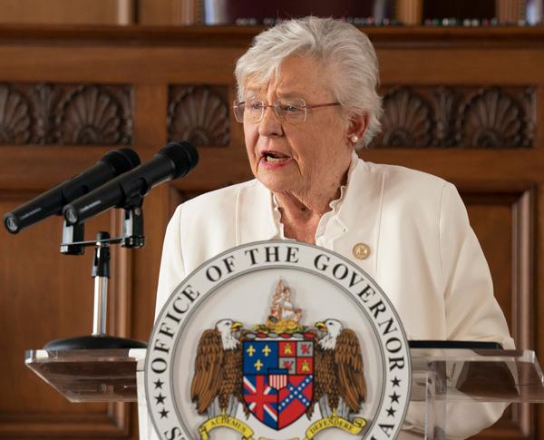 Alabama Hospital Association urging Gov. Ivey to extend mask order class=