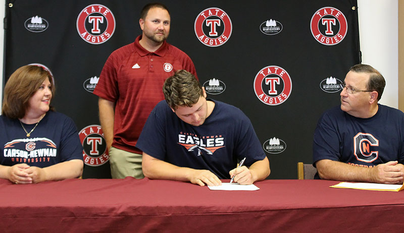 Tate S Jacob Nowling Signs With Division Ii Carson Newman For Football Fishing Northescambia Com